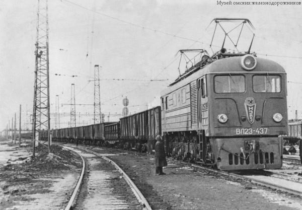 интернет, старые фотографии локомотивов какие характеристики