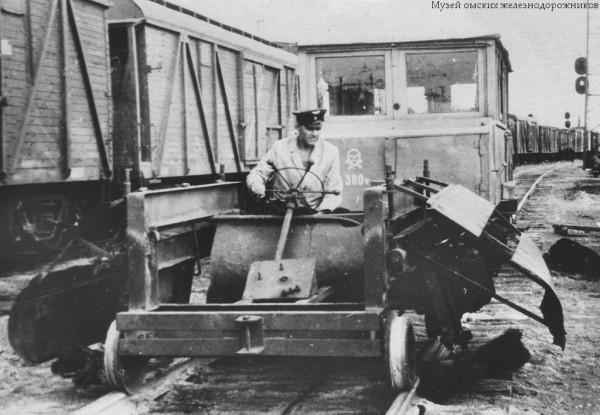 Передвижная рельсоочистительная машина на базе дрезины ТД-5 МОЖ 4579