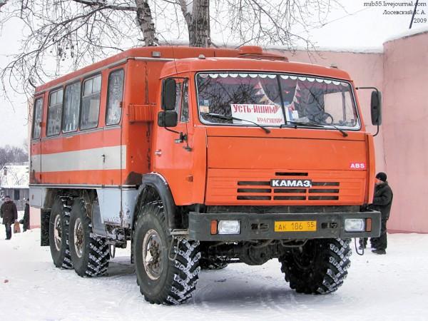 НефАЗ-4208 3