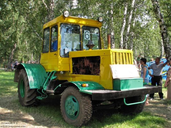 ДТ-75_колёсный_13433