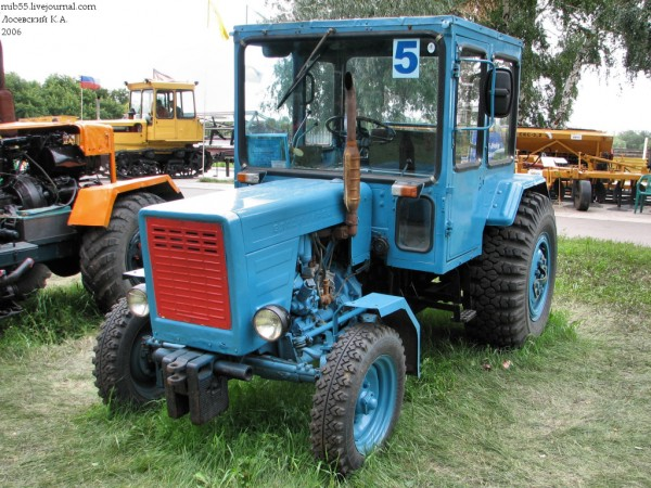 Трактор_4235