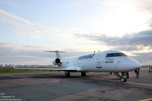 CRJ-200_ИрАэро_1