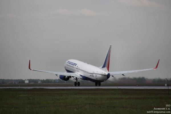 Boeing_737_ТрансАэро_1_1