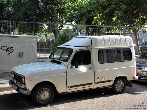 Renault_4 2