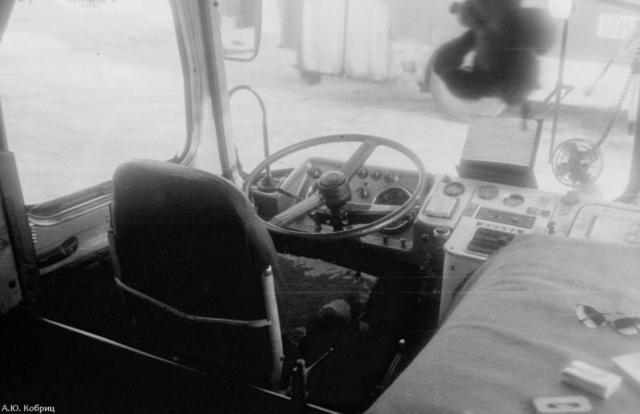ЛиАЗ-677М кабина