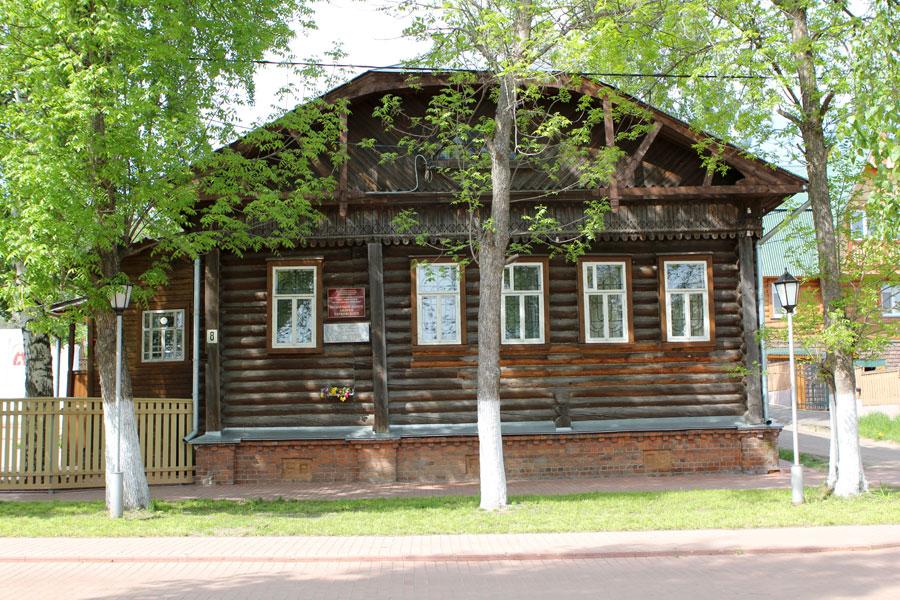 Дом-музей Андрея Тарковского в городе Юрьевец.jpg