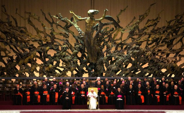 О.Четверикова о сатанинских символах Ватикана. 575134_600