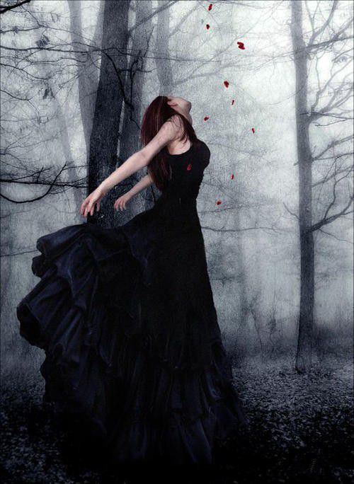 Gothic Is An Alternative Clothing Fashion Which Worn Just By People Who Interested In This Kind Of Special Circle If You Are A Also