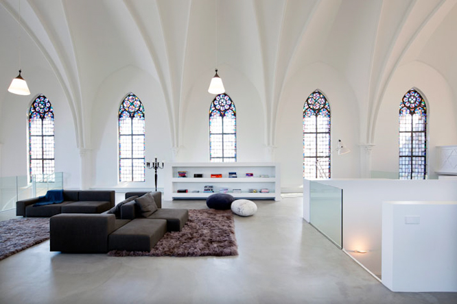 Church-conversion-into-a-residence-in-Utrecht-by-zecc-architects-yatzer-13