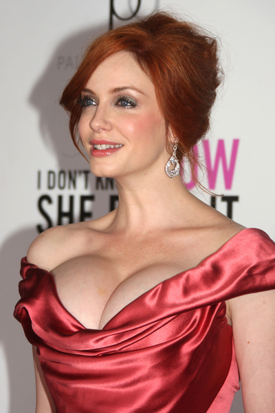 christina-hendricks-boobs-photo