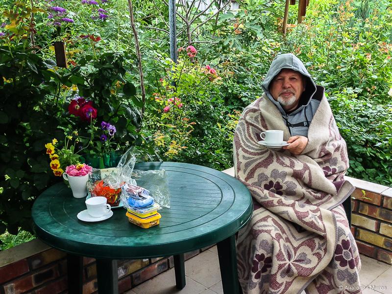 Холодно в Крыму. Ну очень холодно, как будто ноябрь, а не середина июля
