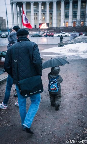 ребенок с зонтом