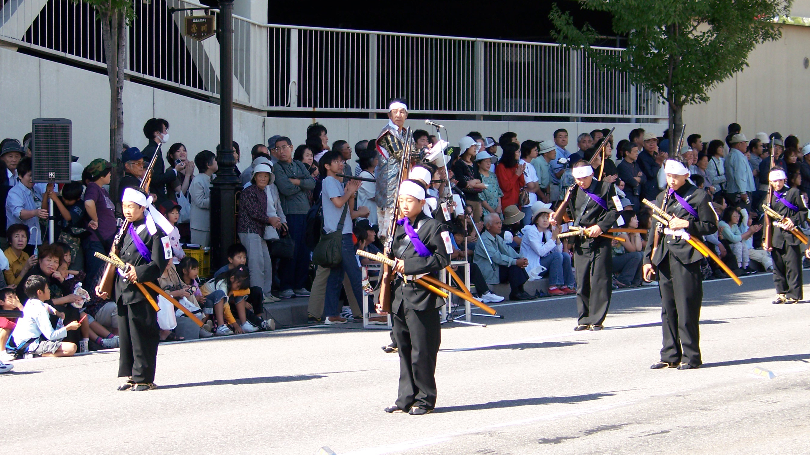 Young_warriors_in_2006_Aizu_parade