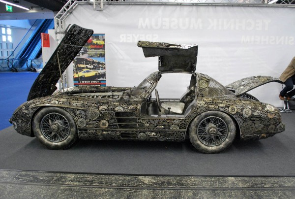 giants_of_steel_cars_made_out_of_junk_metal_art2