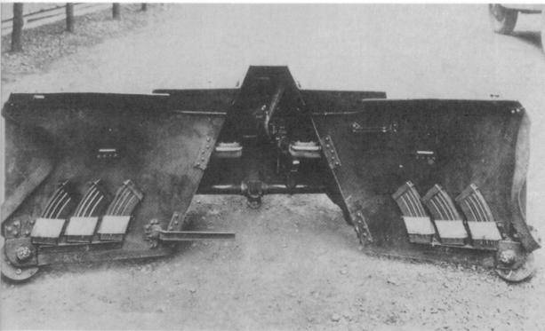 japan_mobile_rifle_hole_2_1940s