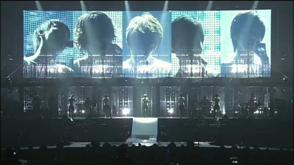 DBSK-The Secret Code Live 25- Love In The Ice _FINALE_.flv_000322781