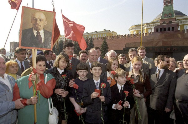 800px-RIAN_archive_783695_The_leader_of_the_CPRF_Gennady_Zyuganov_at_the_Red_Square