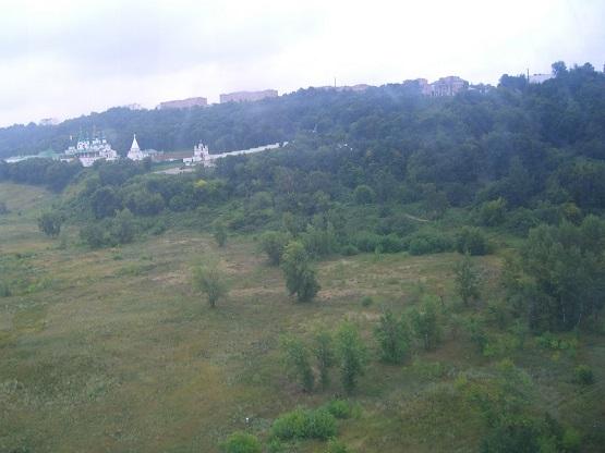 Вид с Нижегородской канатной дороги. Правее монастыря была когда-то улица Слобода Кошелёвка.