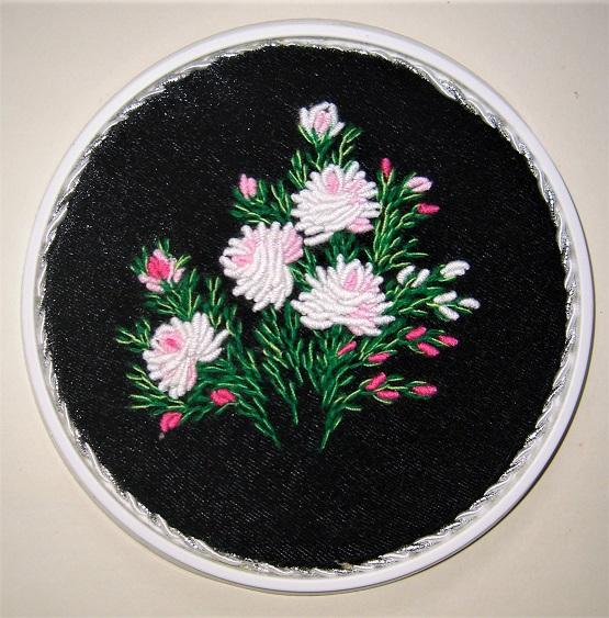 6. Вышивка на чёрном бархате