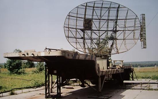 Вот, примерно такая антенна была, правда мачта повыше. Фото из интернета.
