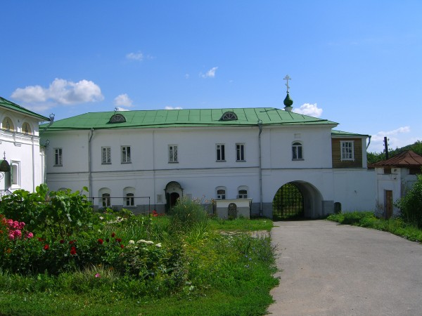 Внутри Печерского монастыря. Современная фотография.