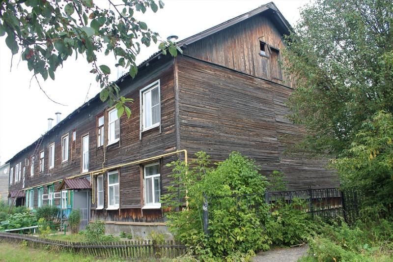 Люблю деревянные дома, хотя с ними хлопот много.