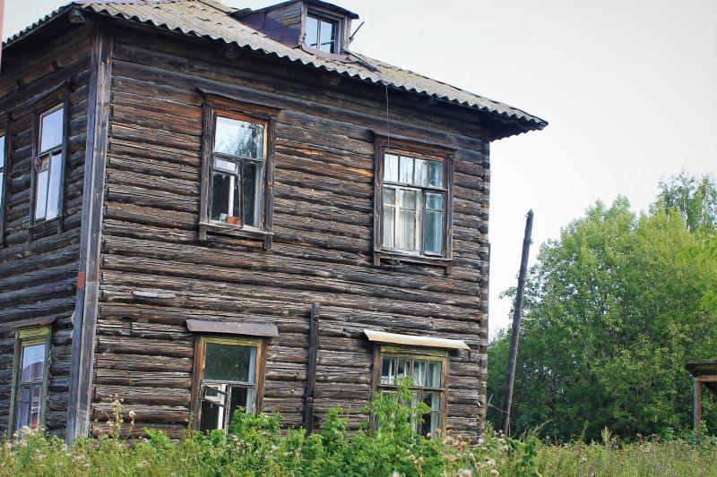Двухэтажка, доживает свой век.