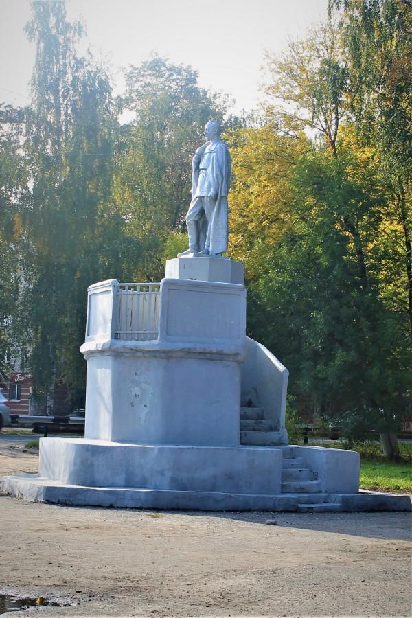Памятник Ф.Э. Дзержинскому.
