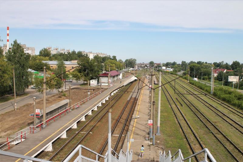 Станция Починки Нижнего Новгорода. Вид с мостового перехода.