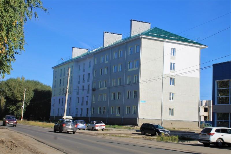 Новый дом на улице Космонавтов.