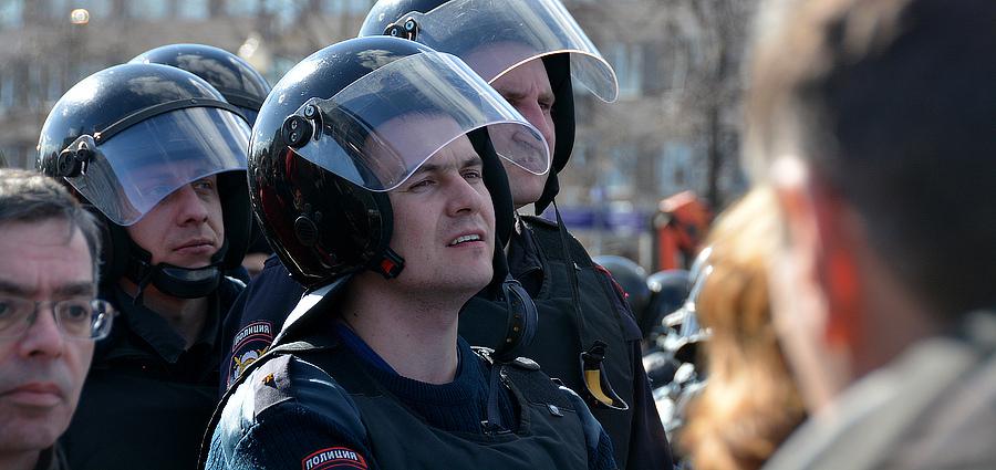 Полиция ждет сигнала разгонять митингующих