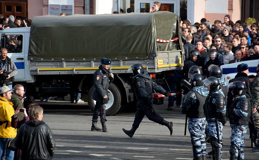 Митинг против Медведева задержание