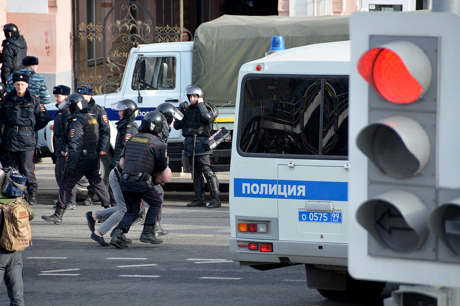 Против Медведева задерживали несогласных 26 марта 2017