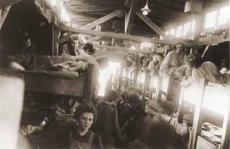 Женщины в бараках Маунтхаузена