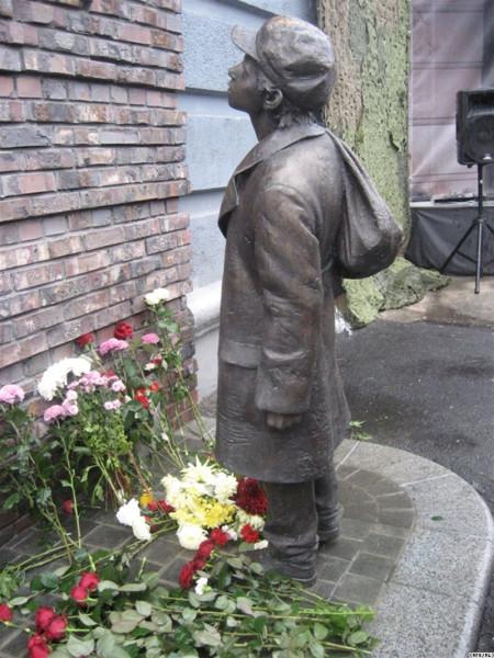 Анатолий Кузнецов Памятник