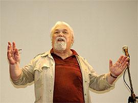 Выступает И. Фоняков на 50-летии СОАН