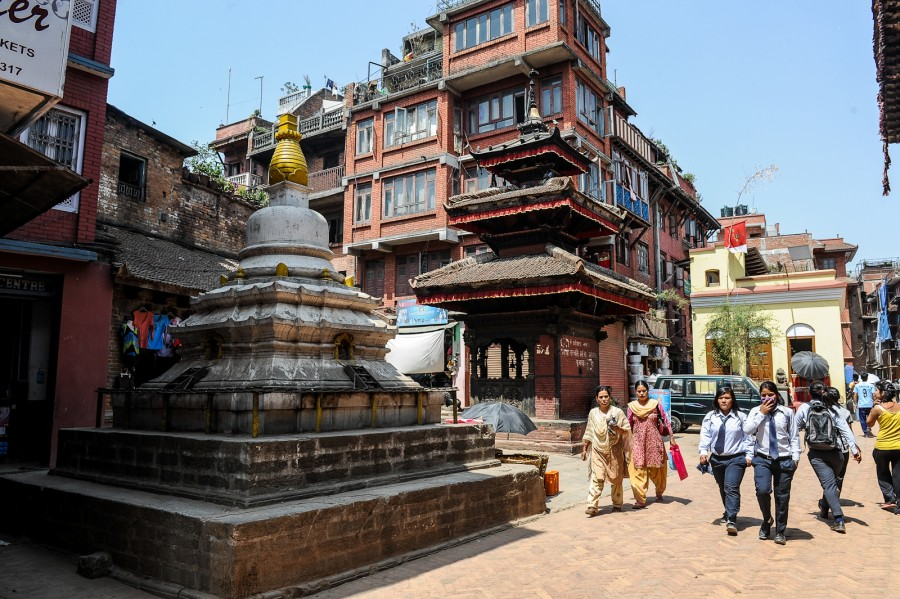 Соседство. Буддистская ступа в индуистском комплексе
