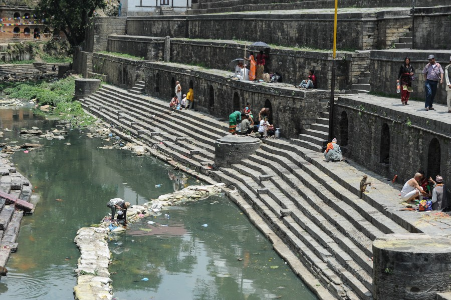 Священная река Багмати