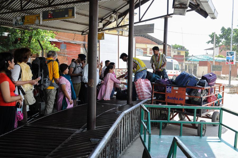Выдача багажа в аэропорту Катманду