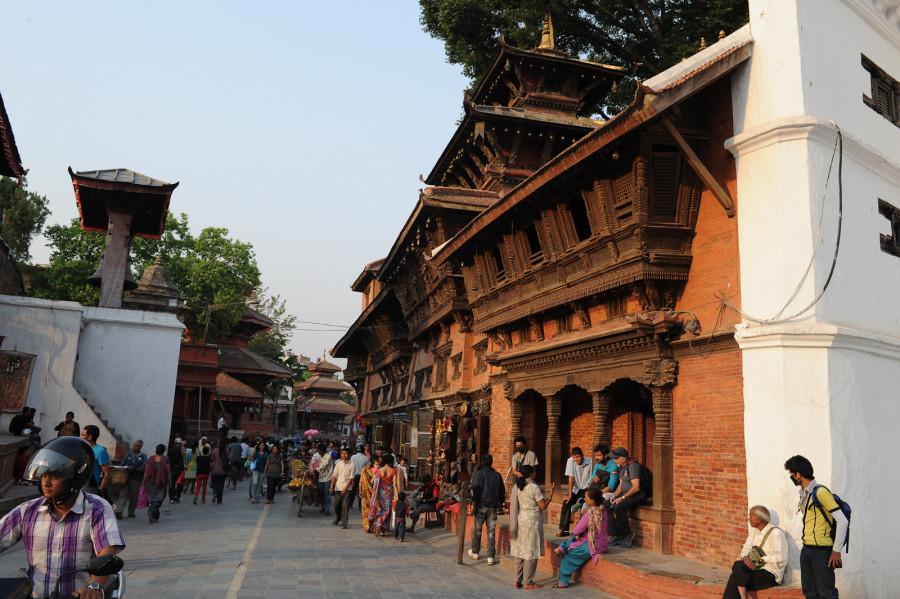 Королевский дворец + индуистский комплекс на площади Дарбар