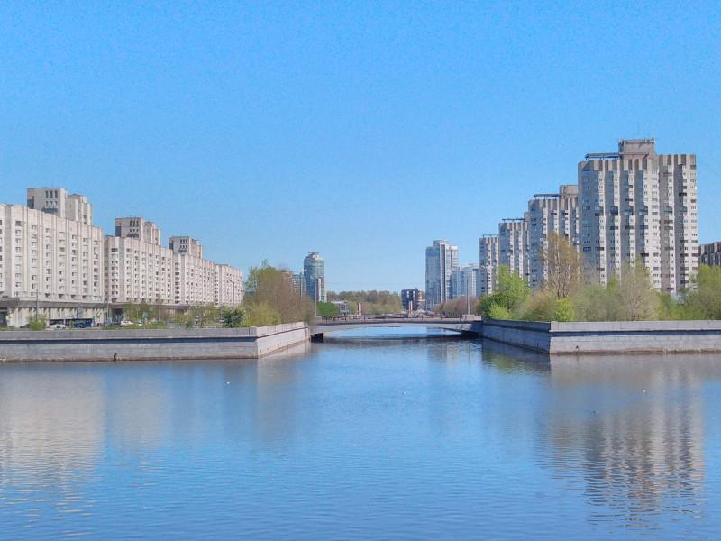 Вид на Новосмоленскую набережную со стороны ЗСД