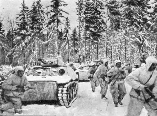 Советские войска наступают