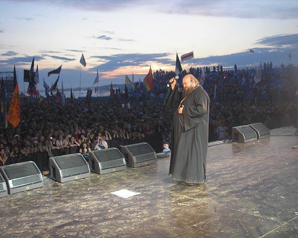 Игумен Сергий проповедует