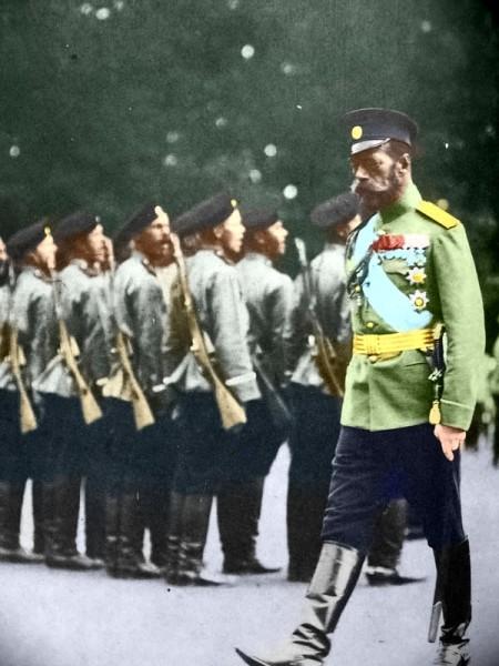 Николай II на параде
