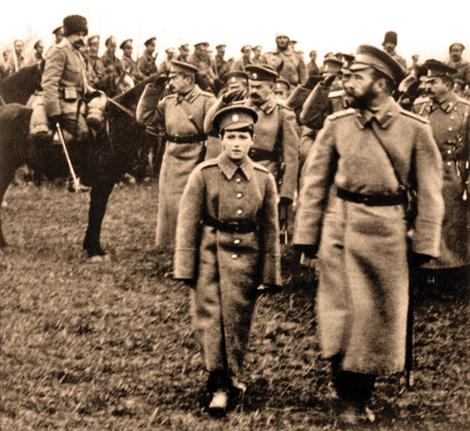 Николай Второй с сыном на фронте ПМВ