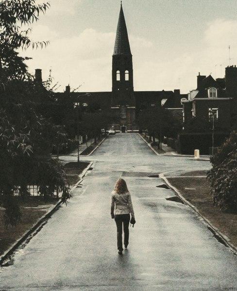 Гермиона идёт в церковь