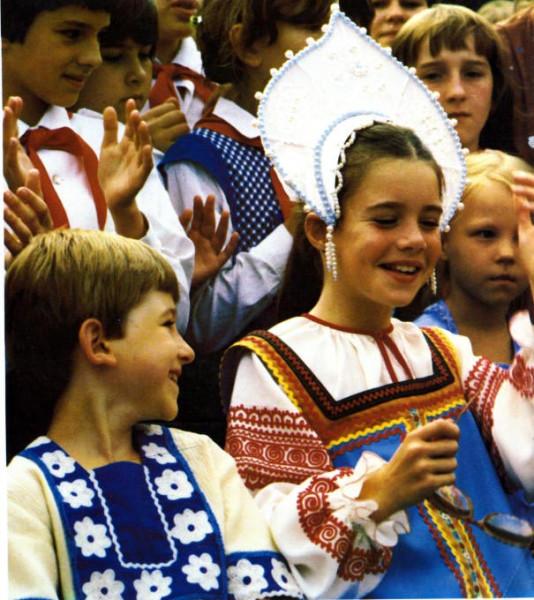 Саманта Смит в русском народном костюме