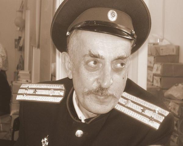 Валерий Шамбаров в казачьей форме