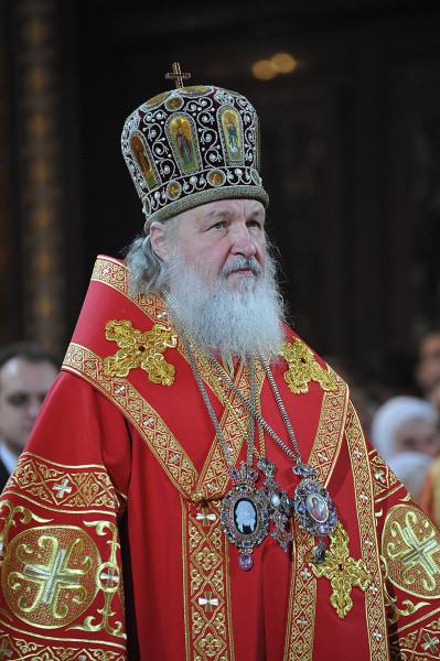 Патриарх Кирилл в пасхальном облачении
