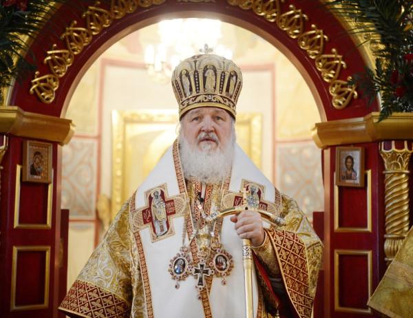 Патриарх Кирилл за богослужением